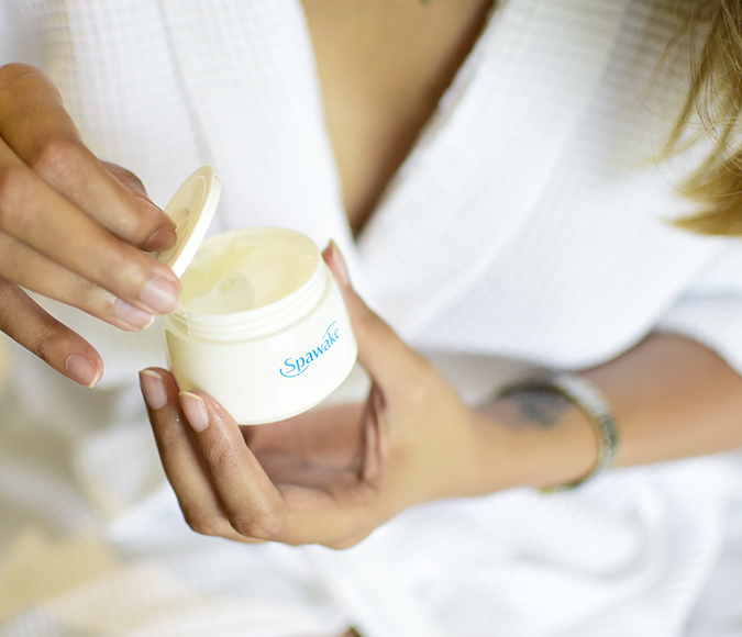 Spawake Whitening Regime | Akanksha Redhu | opening cream bottle wide