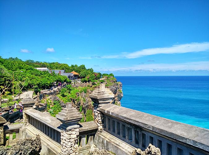 Uluwatu Temple | Bali | Akanksha Redhu | edge wide