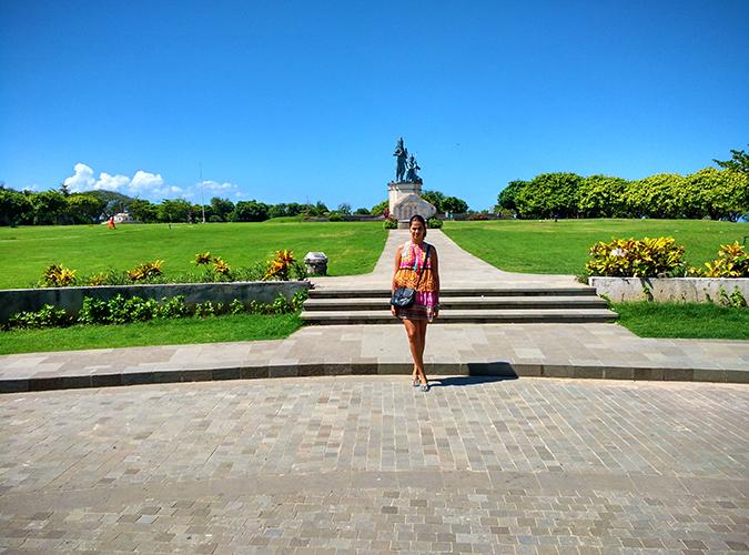 Nusa Dua | Bali | Akanksha Redhu | wide statue