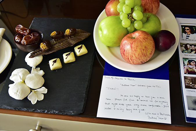 Taj Dubai | #EmiratesHolidays | Akanksha Redhu | chocolates note
