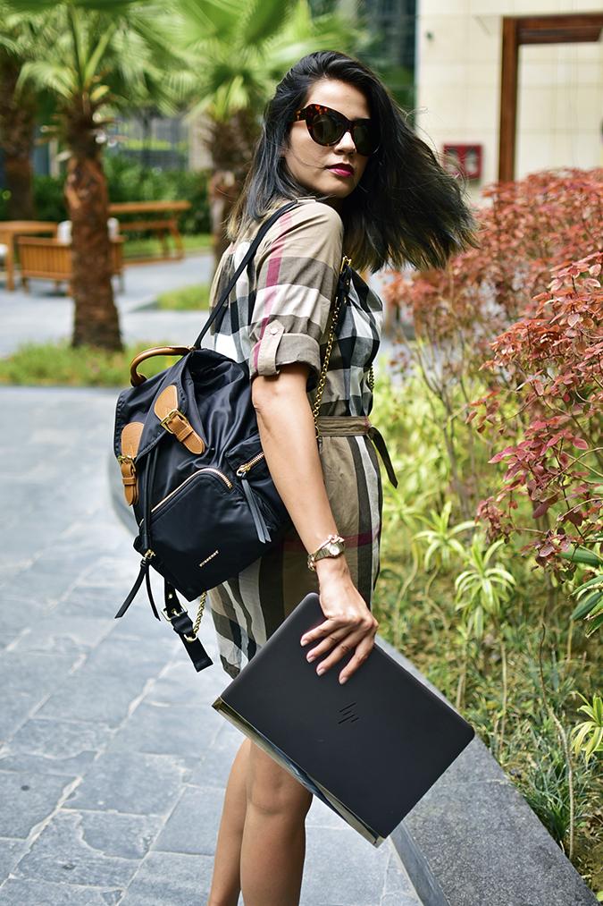 Reinvent Obsession | HP | Akanksha Redhu | checks hair flip