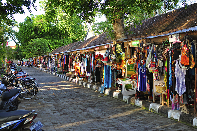 Lovina Beach | Bali | Akanksha Redhu | shopping walk