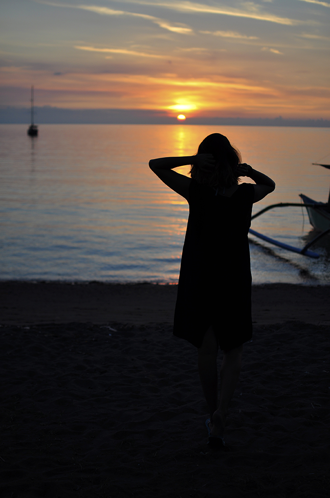 Lovina Beach | Bali | Akanksha Redhu | me outline sunset