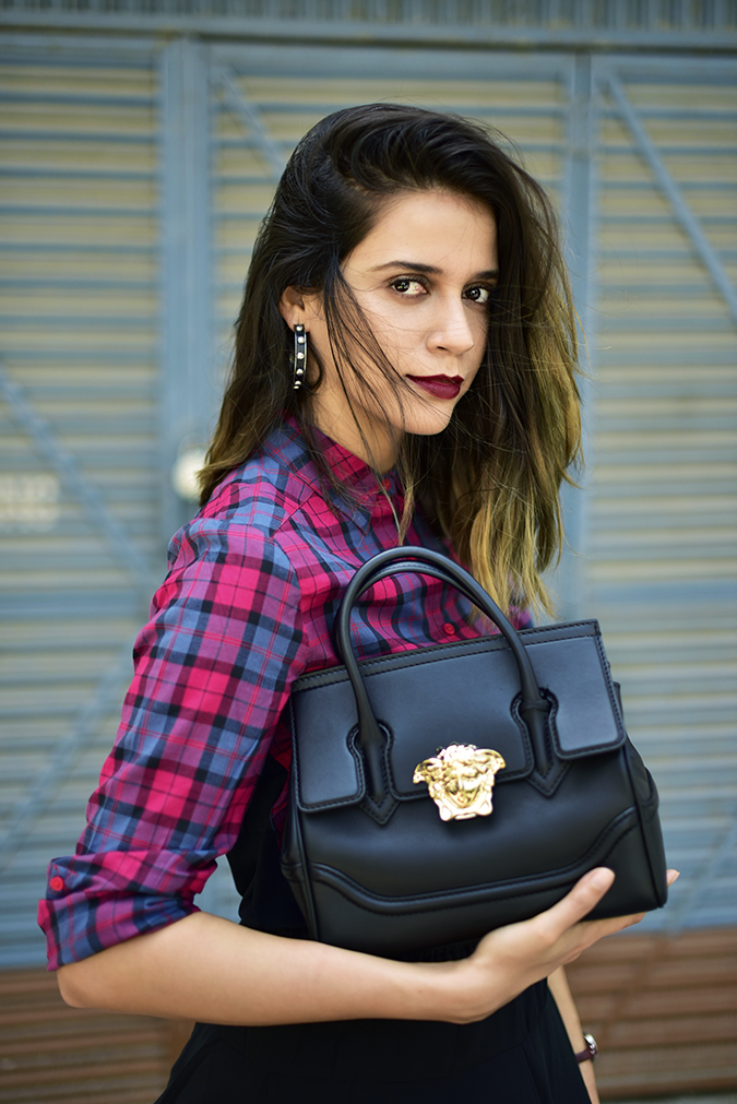Sbuys | Akanksha Redhu | half side bag cradle