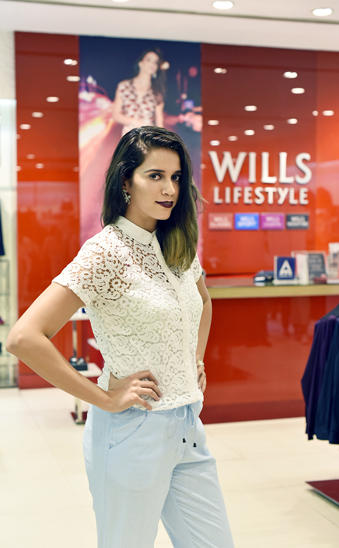 Wills Lifestyle AW16 | Akanksha Redhu | half front billing counter