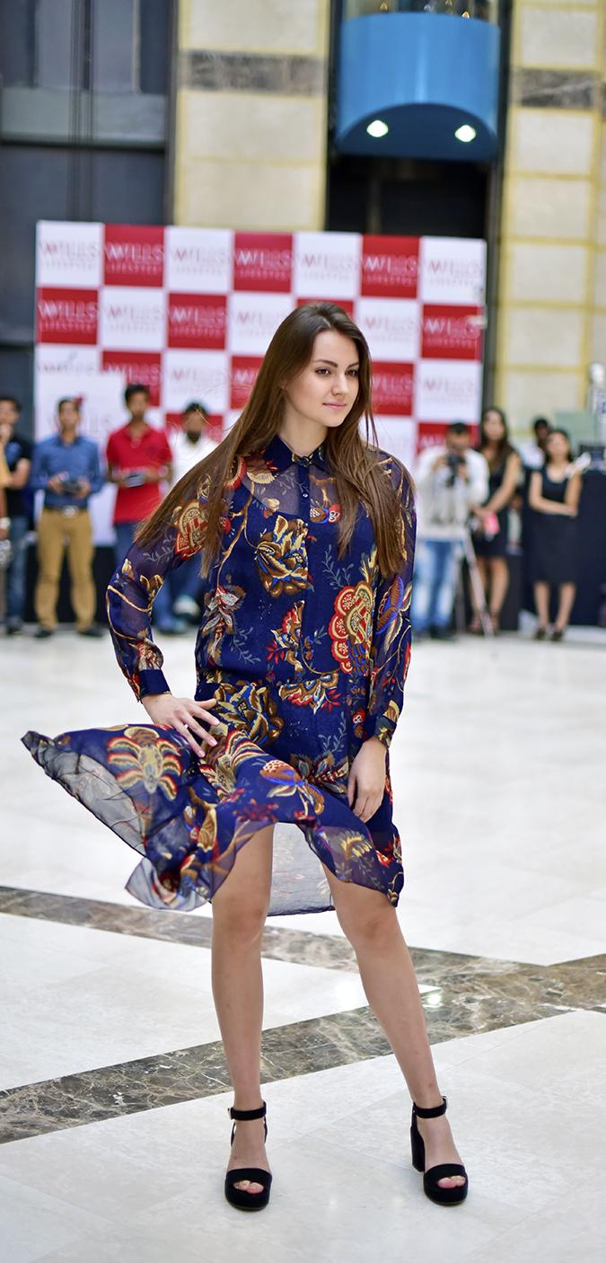 Wills Lifestyle AW16   Akanksha Redhu   showstopper model