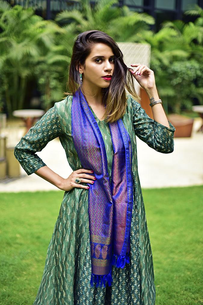 Amazon India Modern Festive | Akanksha Redhu | half front one hand in hair