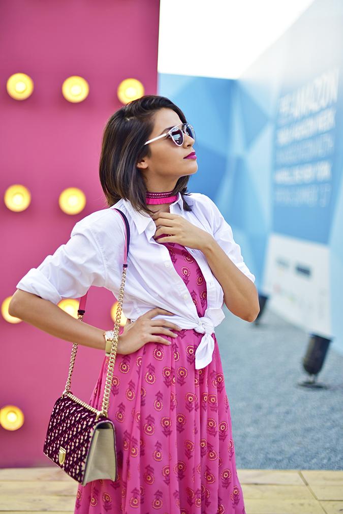 #AIFWSS17 | Akanksha Redhu | half side hand on collar
