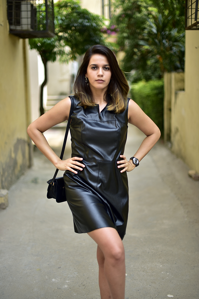 Benetton | Akanksha Redhu | half front arms on waist