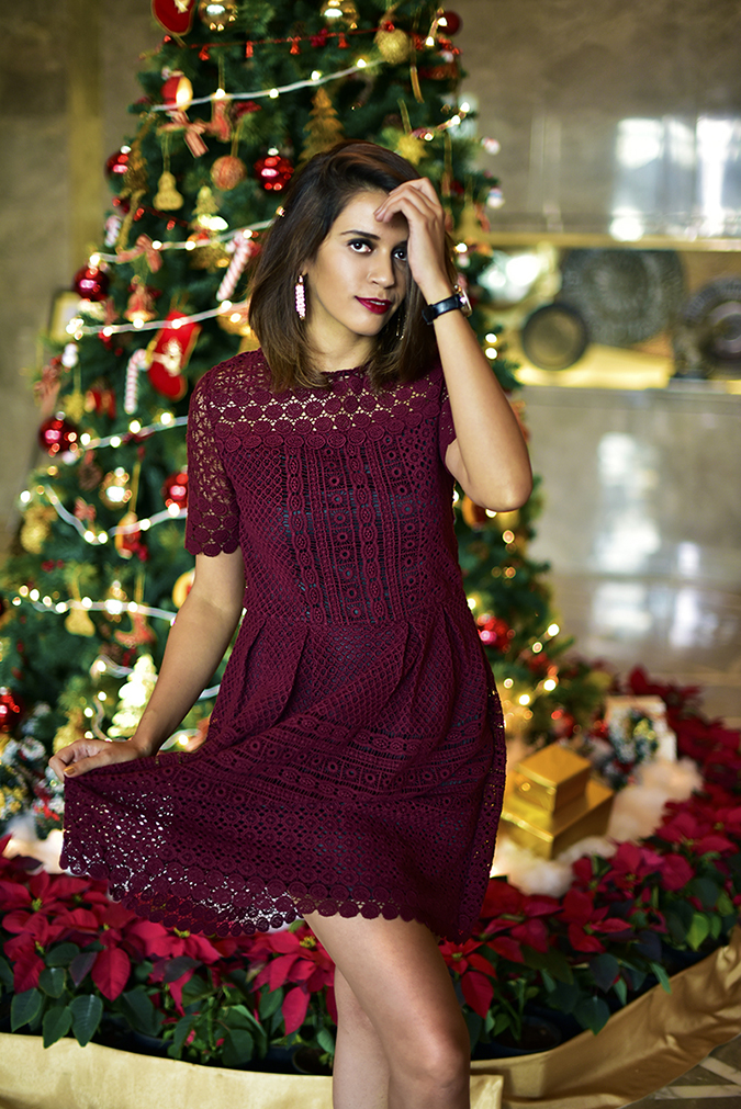 #BuyTheWillsLifestyle | Akanksha Redhu | christmas dress