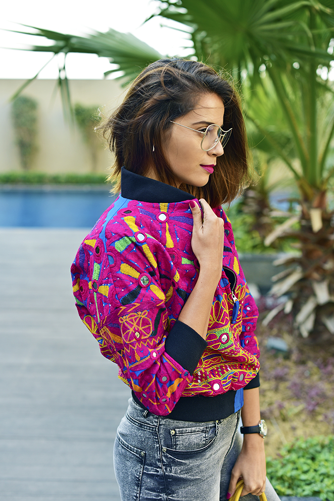 Color Riot | Akanksha Redu | half side holding collar