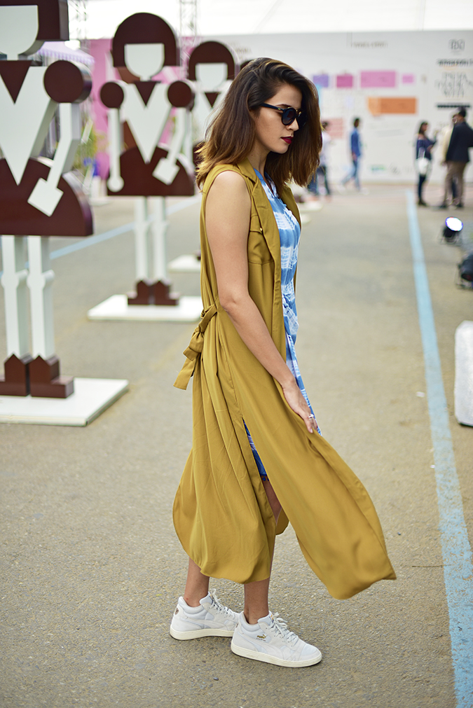 Amazon India Fashion Week   Akanksha Redhu   full side walk fly