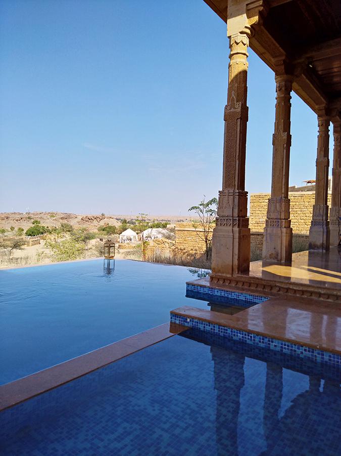 Nubia Z11 miniS | Akanksha Redhu | infinity pool and beyond