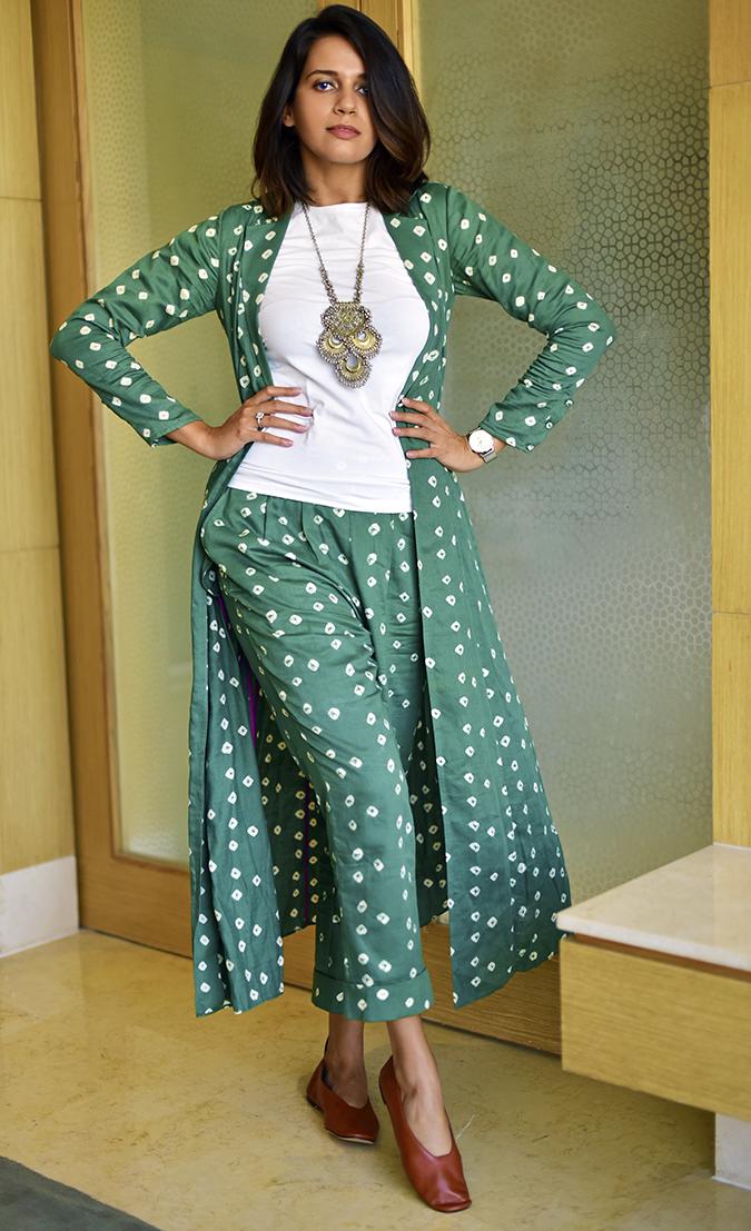 #VDayFreshlook | Akanksha Redhu | raiman outfit