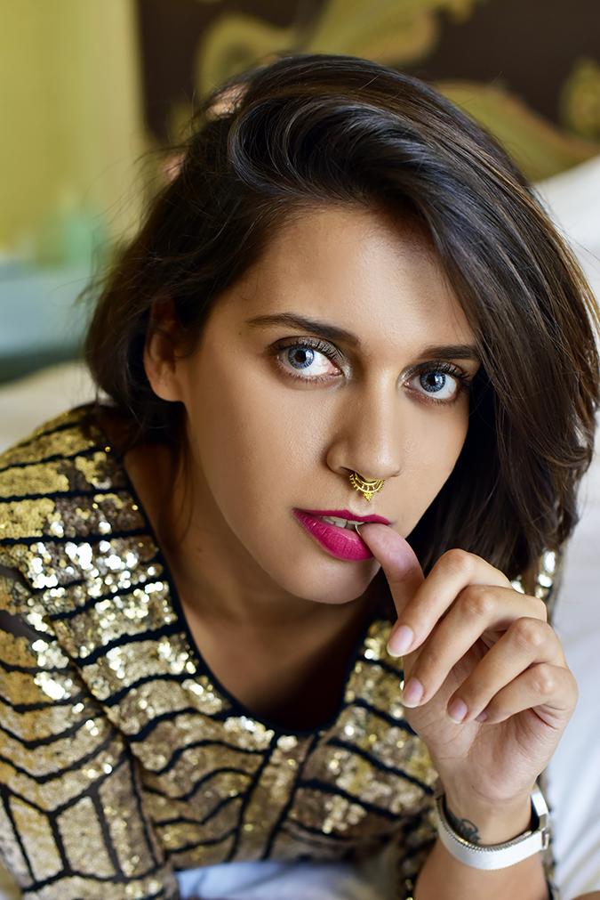 #VDayFreshlook | Akanksha Redhu | diva closest nail in lips