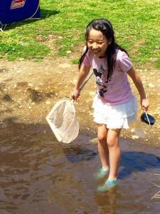 川遊び 女の子
