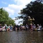 世界一受けたい授業?レポート、湧水を学ぶ「森の歌会 in 東久留米」