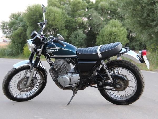Новый учебный мотоцикл Honda cb 400 ss.