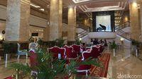 Lobi Hotel Adimulia Medan yang bergaya klasik glamour (Odilia/detikTravel)