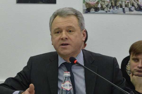 «Слуга» Новиков помогает «Квазару» «кинуть» банк на 100 миллионов