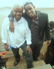 Kidum et Yoya qu concert en mémoire de Matata à Kinama (www.akeza.net)