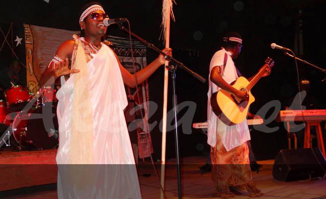 Peace and Love lors de leur premier concert à l'IFB (www.akeza.net)
