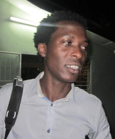 Claude Ciza lors de l'ouverture de l'école de musique de SM (www.akeza.net)