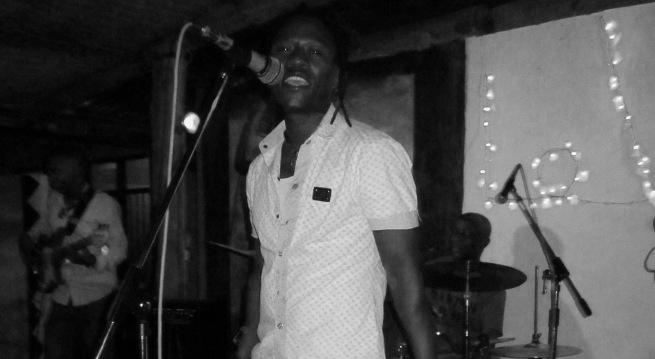 Vivi , le patron de Sikiliza Band (www.akeza.net)