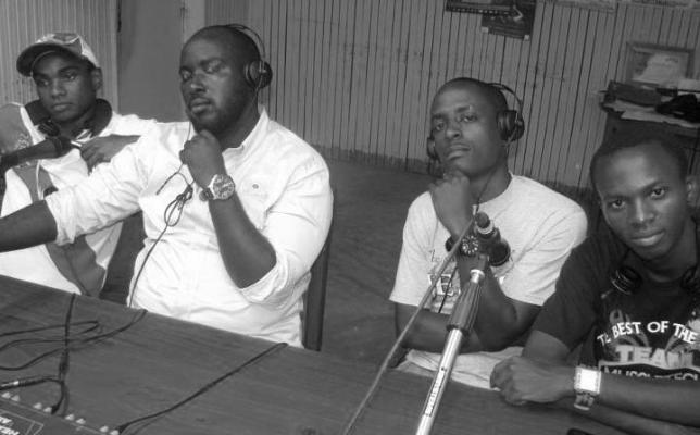 H4C à la radio : De g à d : GN , Regis BIG , Type & Prince Mshindi (www.akeza.net)