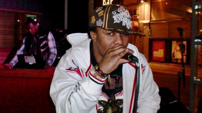 Le chanteur Lolilo (www.akeza.net)