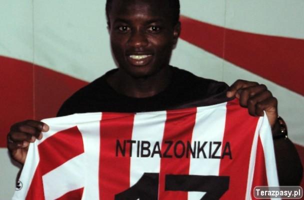 Saido NTIBAZONKIZA ,actuellement blessé au genou (www.akeza.net)