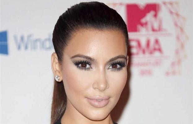 Kim Kardashian : du sang pour améliorer son teint (www.akeza.net)