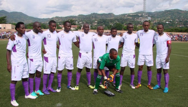 Les joueurs de Vital'o Fc avant la rencontre (www.akeza.net) © Akeza.net