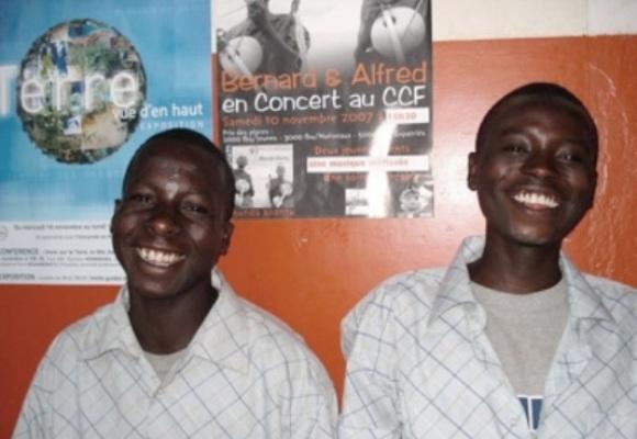 Le duo Alfred et Bernard (www.akeza.net)