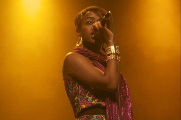 Aiza Ntibarikure, une fille burundaise à la voix d'or (www.akeza.net)