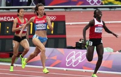 Francine NIYONSABA devient imbattable sur 800m (www.akeza.net)