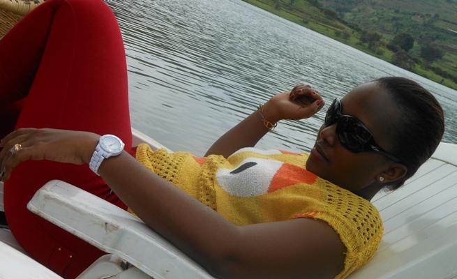La chanteuse Alida BARANYIZIGIYE lance officiellement sa carrière (www.akeza.net)