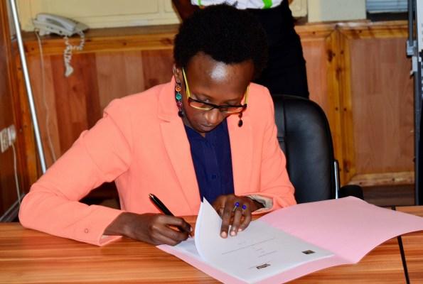 Le FESTICAB lance en pompe les activités de sa 6ème édition (www.akeza.net)  Le FESTICAB lance en pompe les activités de sa 6ème édition /Sur la photo Alexandra Sindahera , Secrétaire Général de la Brarudi(www.akeza.net)