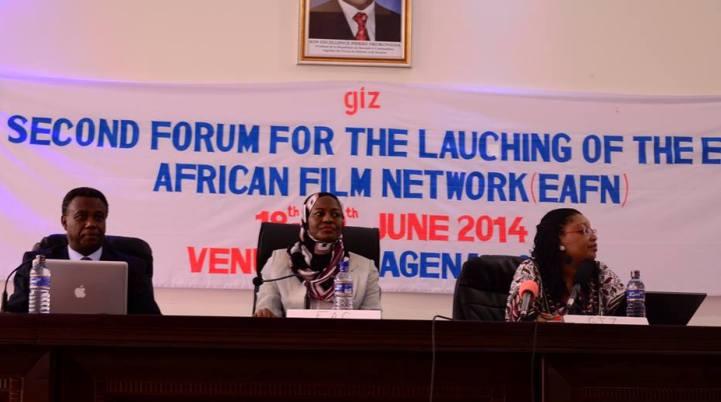 Lors de l' ouverture officielle du 2ème forum (www.akeza.net)