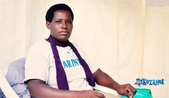 Virginie a un handicap physique, elle travaille quand même (www.akeza.net)