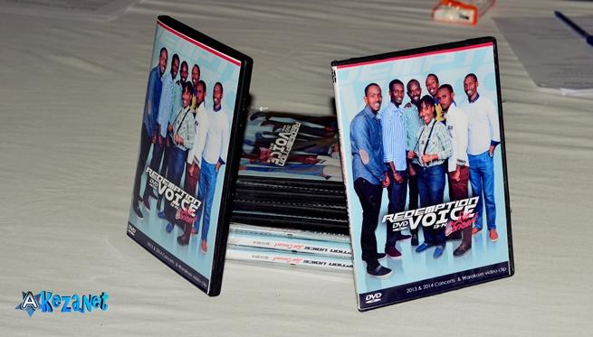 Quelques exemplaires du DVD©Akeza.net