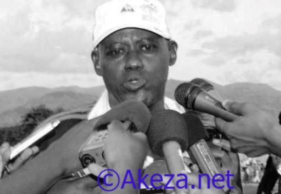 Gilbert  « Yaoundé» Kanyenkore, entraineur du club Vital'o fc.©Akeza.