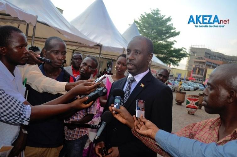 Le ministre répondait aux journalistes©Akeza.net/Alexandre NDAYISHIMIYE