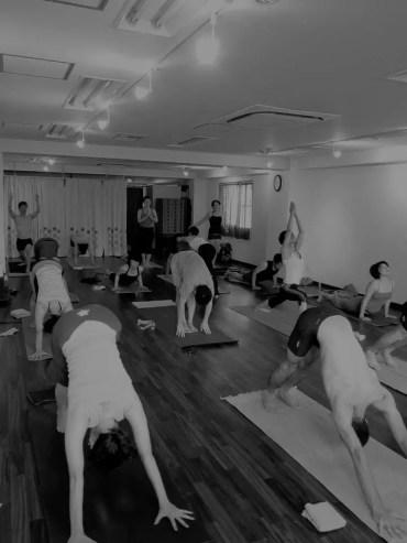 Akiko_Tsugawa_ashtanga-yoga_teaching_001