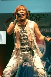 hironobu-kageyama-tgs09-live-in-thailand-03