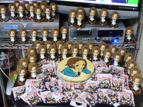fans-celebrate-tainaka-ritsu-birthday-2013-03