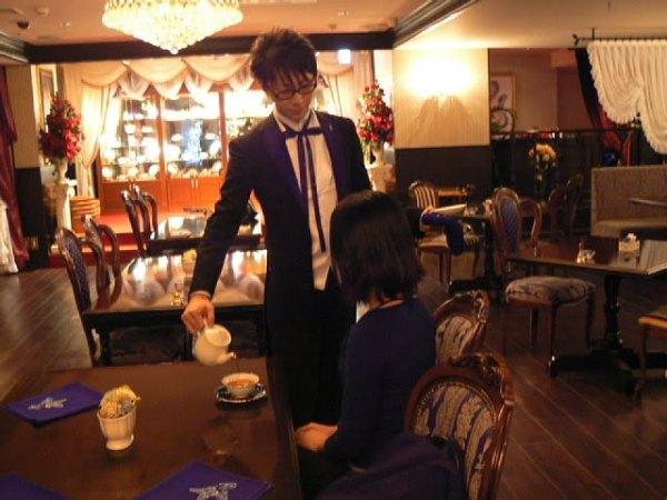weirdest-japan-cafes-06