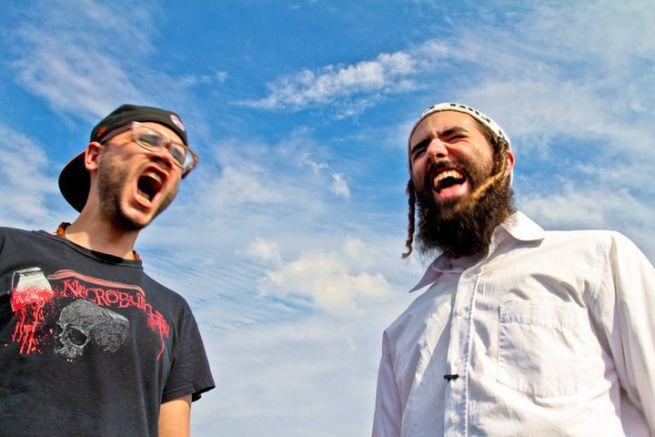 Yishai Romanoff (jobbra)