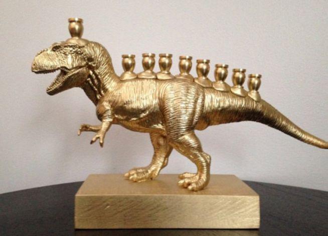 MenorasaurusRex - The VanillaStudio