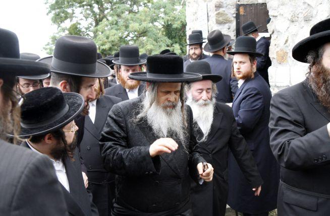Középen Zalman Leib Teitelbaum, Teitelbaum Mojse leszármazottja/ Fotó: Vajda János
